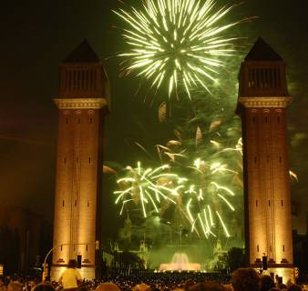 Piromusical (musical fireworks display) on Avinguda de la Reina Maria Cristina