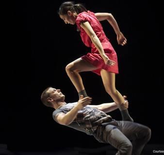 Performance at the Dansat Festival