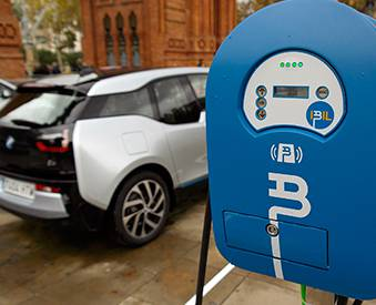 Recharging points for electric vehicles