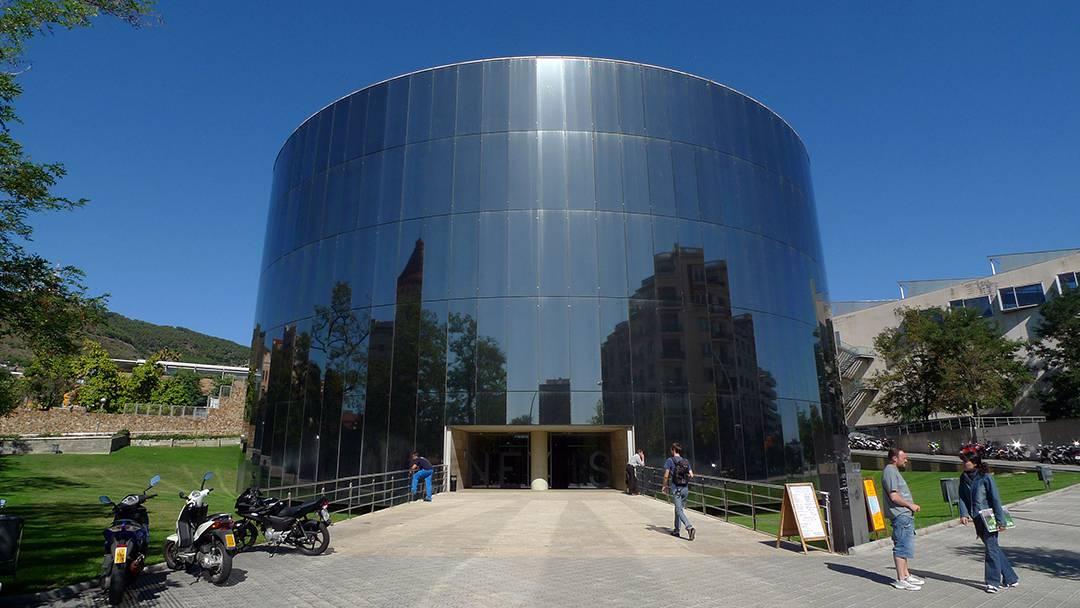 L'edifici Nexus a la Zona Universitària