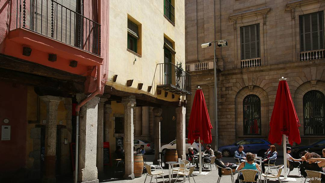 Porches along Carrer del Consolat del Mar in the El Born i la Ribera