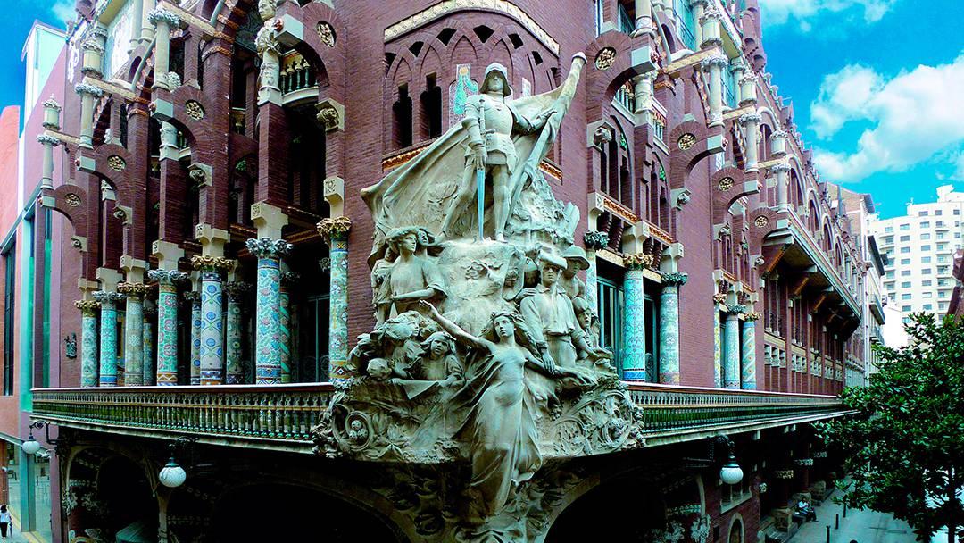 Grupo escultórico de la fachada del Palau de la Música Catalana