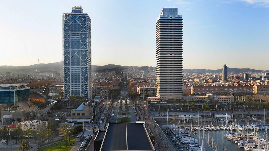 Vista de la Vila Olímpica y las dos torres