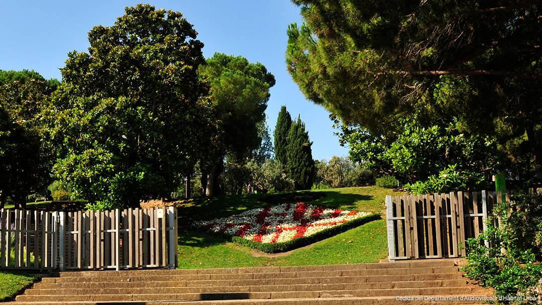 Entrada de los jardines de Mossèn Cinto Verdaguer