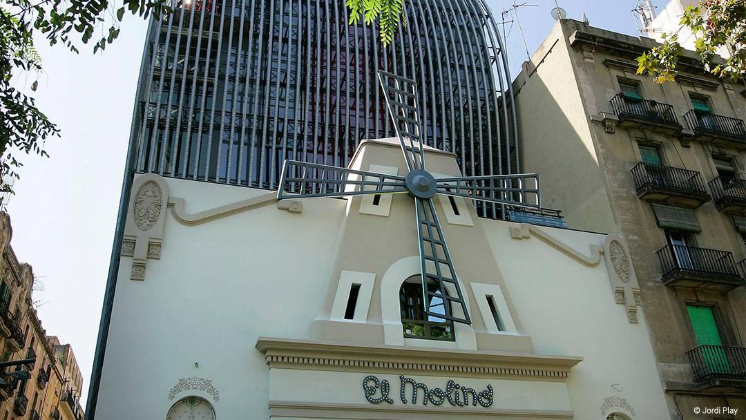 Façade of El Molino on Paral•lel