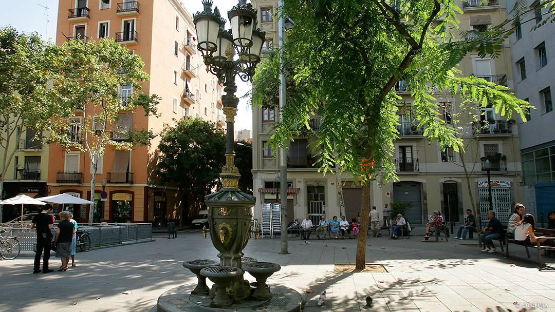 La plaça del Sortidor al Poble-sec