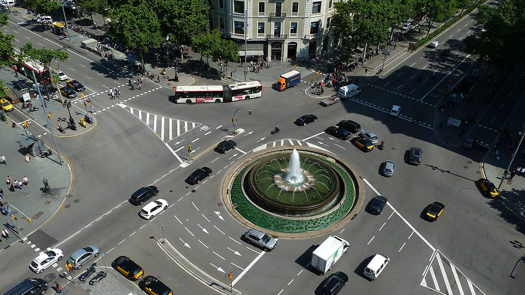 Junction between Passeig de Gràcia and Gran Via