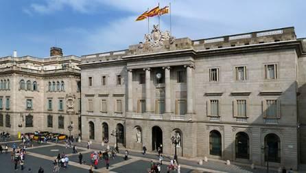 L'Ajuntament de Barcelona a la plaça de Sant Jaume