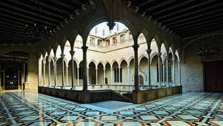 El patio gótico en el Palau de la Generalitat