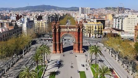 View of the Arc de Triomf