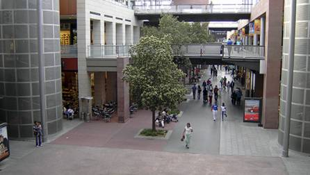 La Maquinista shopping centre.