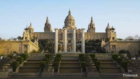 Fachada del Museo Nacional de Arte de Cataluña