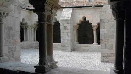 Le cloître du monastère de Sant Pau del Camp