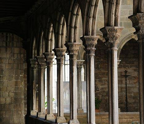 Santa Anna cloister arcades