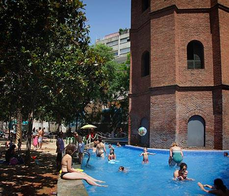Swimming pool in Torre de les Aigües gardens
