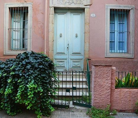 A facade on Passatge de Mulet