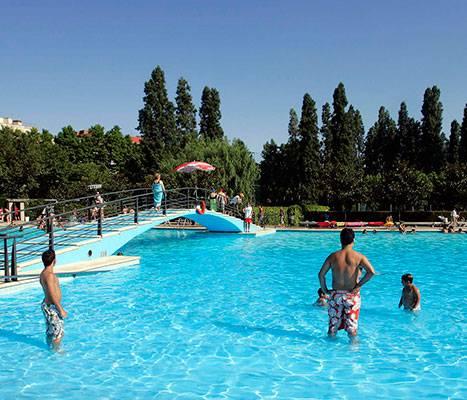 La piscine de loisirs de Can Dragó dans Nou Barris