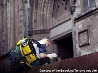 Tourists seeking accommodation in Barcelona