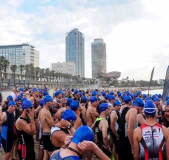 The start of the Barcelona Triathlon