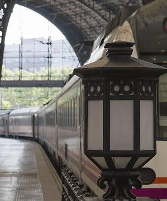En tren