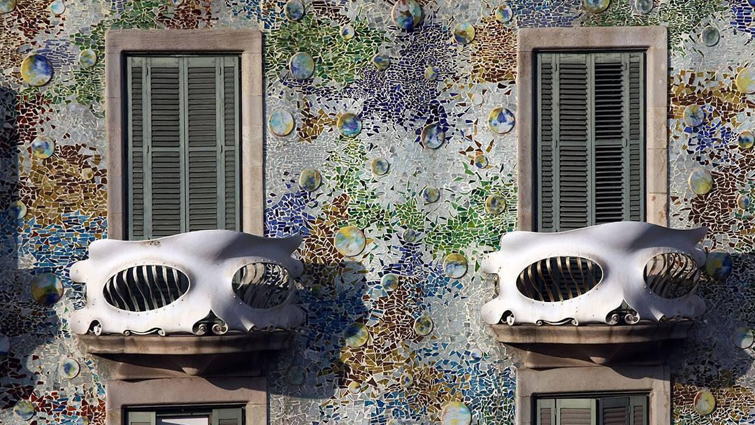 Detalles de la fachada de la Casa Batlló