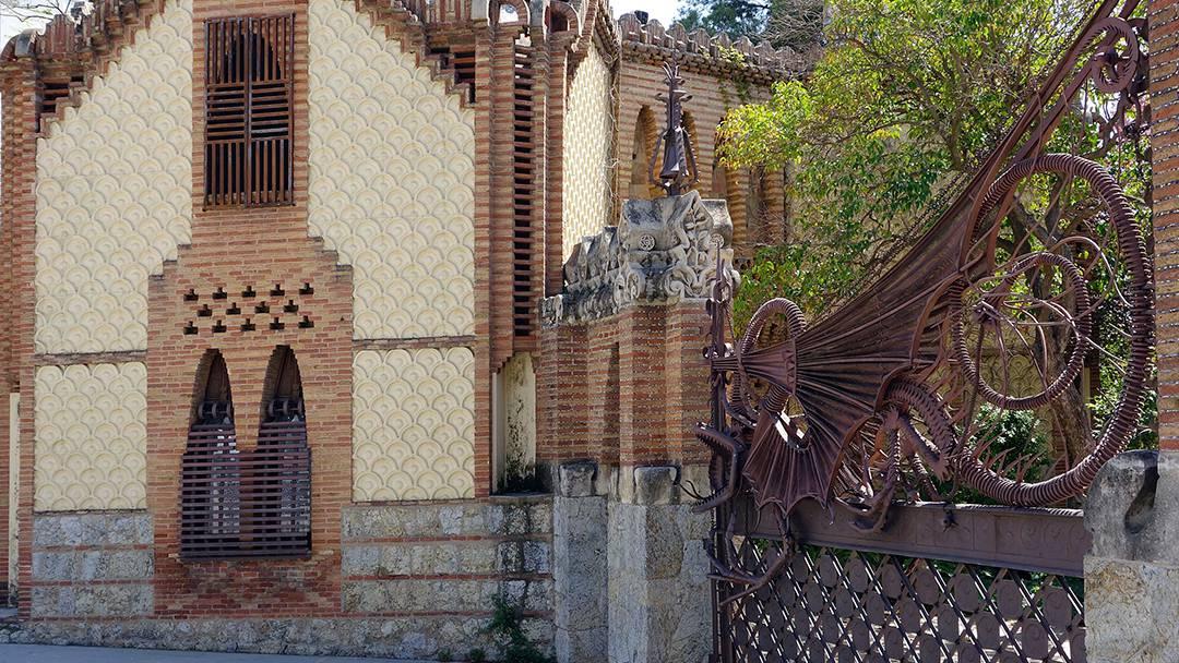 Grille de la porte des Pavillons de la Finca Güell