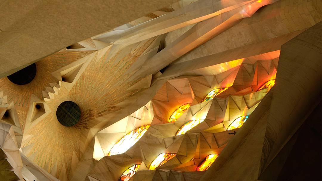 Intérieur du temple de la Sagrada Família