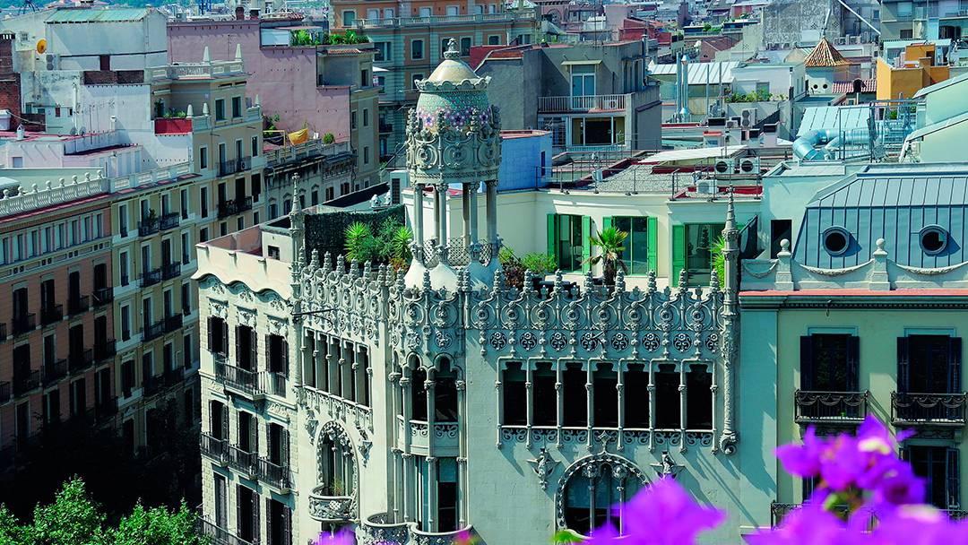 Façana de la Casa Lleó Morera al Quadrat d'Or