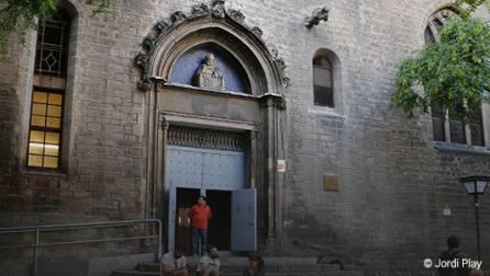 Fachada de la iglesia de Sant Pere de les Puel•les